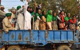 good news for farmers, RBI allows farmers enhanced loan on produce pledges- India TV Hindi