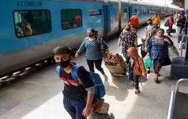 भारतीय रेलवे ने वित्तीय वर्ष 2020-21 में सबसे अधिक स्क्रैप बिक्री हासिल की है- इंडिया टीवी हिंदी