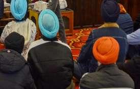 Sikh attacked by black man with hammer in America अमेरिका में अश्वेत शख्स ने सिख व्यक्ति पर हथौड़े स- India TV Hindi