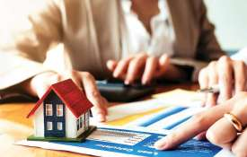 home buyers benefited, Low home loan interest rate regime to continue- India TV Hindi