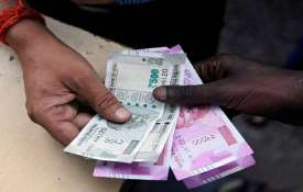Modi Govt take big step, sets up expert panel to fix minimum wages- India TV Hindi