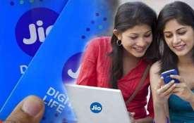 Happy news to Jio users, providing vaccine availability info to users via WhatsApp- India TV Hindi