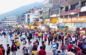 MHA says 'blatant violation' of Covid norms in hill stations, markets; asks states to take action- India TV Hindi