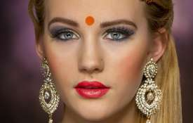 Gold gains Rs 123, silver zooms Rs 766 today 4 august citywise rate- India TV Hindi