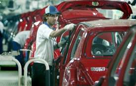 Maruti Suzuki scale down production in Gujarat due to chip shortage- India TV Hindi