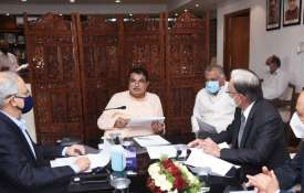 Nitin Gadkari says to auto makers Focus on rollout of flex-fuel vehicles in a year- India TV Hindi