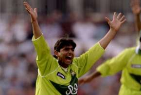 Saqlain Mushtaq Had to hide wife in the cupboard During World Cup 1999- India TV Hindi