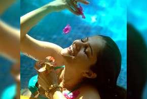 rubina dilaik bikini swimming pool pics- India TV Hindi