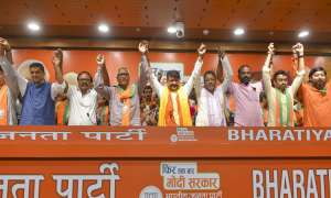 पश्चिम बंगाल के तीन विधायक, 50 से अधिक पार्षद भाजपा में शामिल, तृणमूल कांग्रेस को झटका