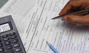 1 अप्रैल से टैक्सपेयर्स के लिए बदल रहे हैं ये नियम, जानिए कैसे आप बचा सकते हैं पैसे
