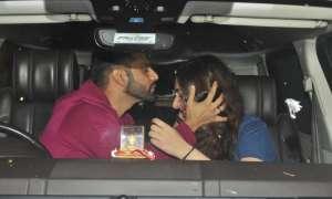 PHOTOS: राहुल वैद्य 'खतरों के खिलाड़ी' के लिए केपटाउन हुए रवाना, गर्लफ्रेंड दिशा परमार ने एयरपोर्ट पर दी विदाई