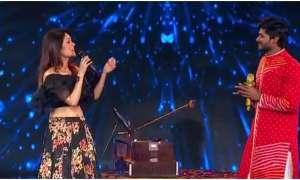 Indian Idol 12: सोनू कक्कड़ ने गाया नुसरत फतेह अली खान का गाना, यूजर्स बोले-माइक को म्यूट...