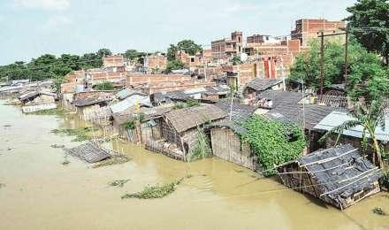 उत्तर प्रदेश के 500 से ज्यादा गांव बाढ़ से प्रभावित, 275 गांवों का संपर्क पूरी तरह से कटा