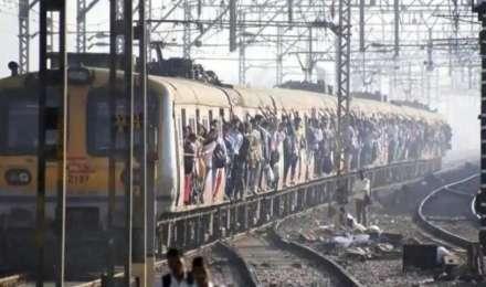 आम नागरिकों के लिए जल्द शुरू हो सकती है मुंबई लोकल ट्रेन की सेवा