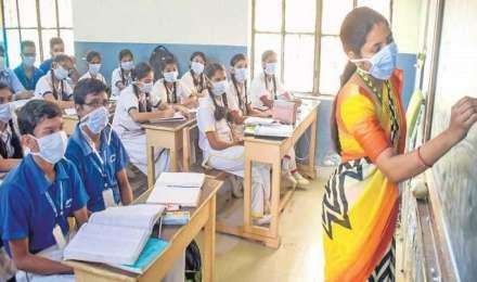 सिलेबस में 50% की कटौती कर सकती है तमिलनाडु सरकार, बोर्ड परीक्षा में भी देरी की संभावना