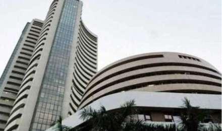 ऊपरी स्तरों से फिसला शेयर बाजार, फार्मा और मेटल स्टॉक्स  में बढ़त