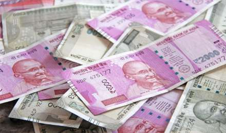 सरकार राजस्व में कमी की भरपाई के लिए दूसरी छमाही में 5.03 लाख करोड़ रुपए का कर्ज लेगी