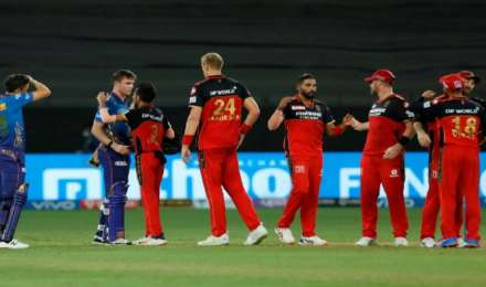 RCB vs MI, IPL 2021 : हर्षल पटेल के शानदार हैट्रिक से आरसीबी ने मुंबई को 54 रन से हराया