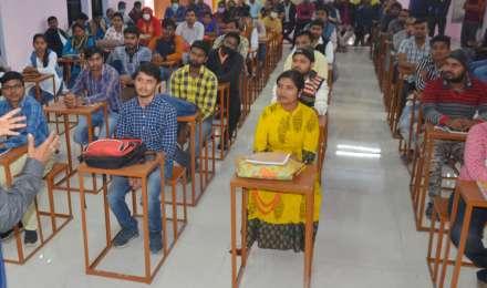 REET Exam: राजस्थान में शाम 5 बजे तक इंटरनेट बंद, 26 लाख कैंडिडेट दे रहे एग्जाम