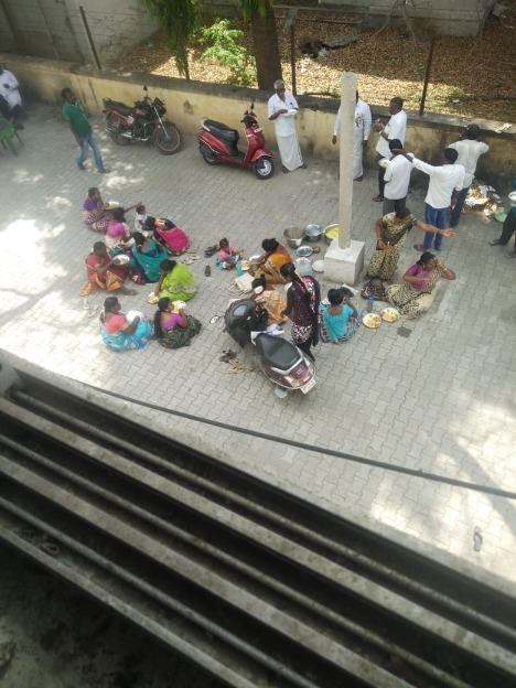 AIADMK cadres seen eating biryani, consuming liquor during one-day hunger strike