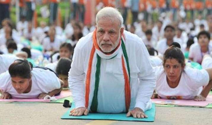 भारत ही नहीं विदेशों में भी छाप छोड़ रहे हैं देश के योगगुरु