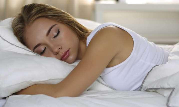रोज़ाना इतने घंटे की नींद है फायदेमंद