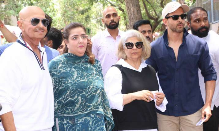 Hrithik Roshan with family