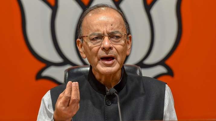 अरुण जेटली साल 1990 में भारत के अतिरिक्त सॉलिसिटर जनरल नियुक्त किए गए। बतौर अतिरिक्त सॉलिसिटर जनरल, अरुण जेटली को बोफोर्स केस सौंपा गया, जिस मामले ने उन दिनों देश की राजनीति को हिला दिया था।