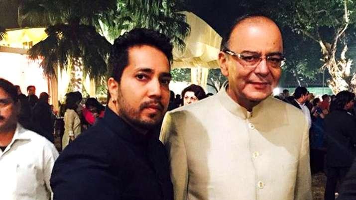 Mika Singh with Arun Jaitley