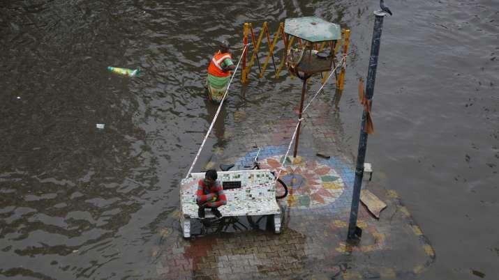 More than 120 dead due to incessant rains, floods in Gujarat, Maharashtra, Kerala, Karnataka | AP