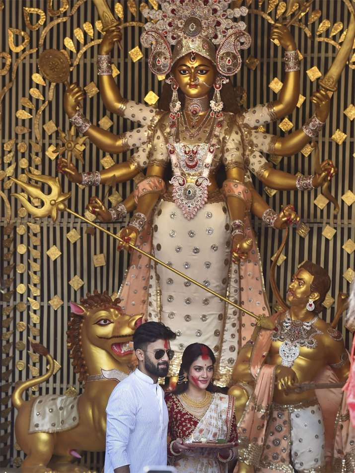 Nusrat Jahan sindoor khela photos