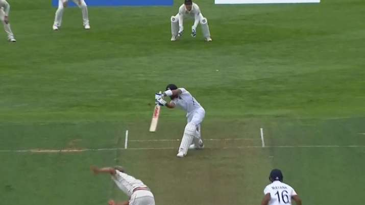Kohli miss out side off stump