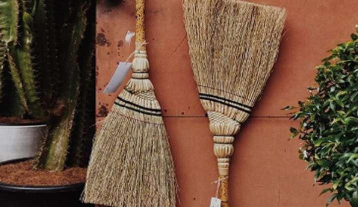 instragram/baanboon.brooms