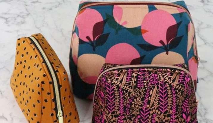 मेकअप बैग