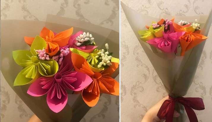 कागज से बनें फूल