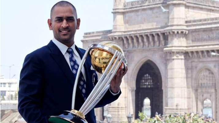 Dhoni retires news, dhoni one day international retirement, dhoni retires latest news, ms dhoni reti