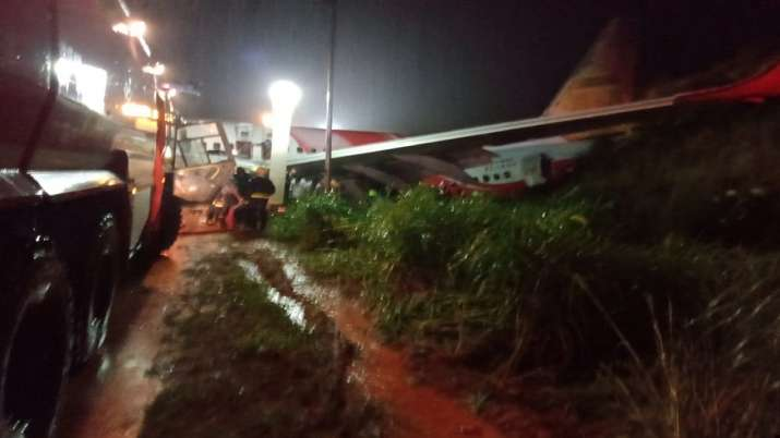 Kozhikode plane crash photo