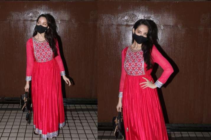 नोरा फतेही रेड कलर की सीक्वंस ड्रेस नजर आईं गॉर्जियस, तस्वीरें देखते ही फैंस की बढ़ी धड़कने
