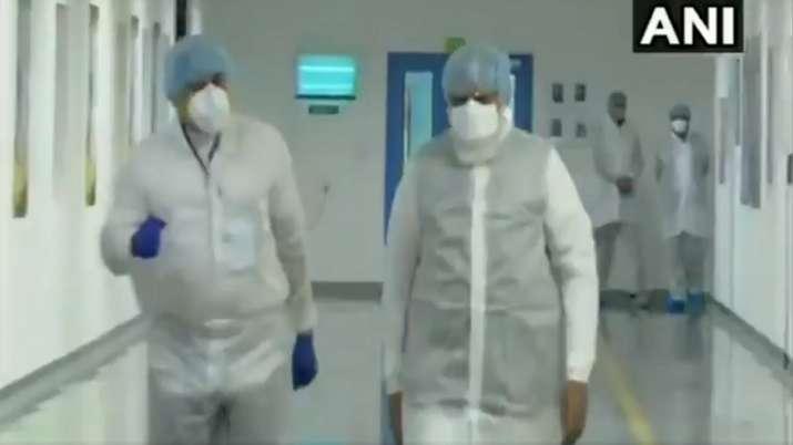 PM Modi in Lab