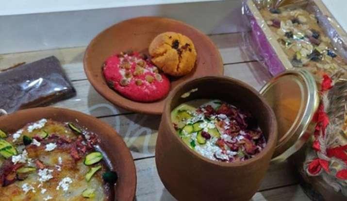 Karwa Chauth 2020: जानिए क्या है करवा चौथ की सरगी, साथ ही जानें सरगी खाने का शुभ मुहूर्त