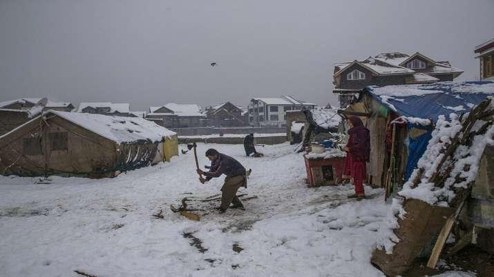 Snowfall in Kashmir, Watch Photos / कश्मीर में जबरदस्त बर्फबारी, सड़क-वायु मार्ग से संपर्क टूटा, देख
