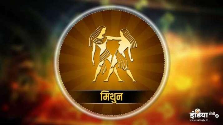 Surya Rashi Parivartan 2021: सूर्य कर रहा है कुंभ राशि में प्रवेश, मेष सहित इन 5 राशियों की बढ़ेगी आ