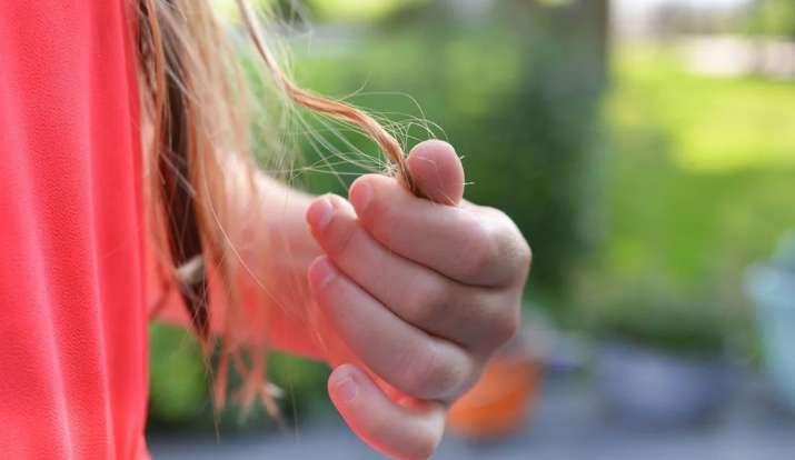 झड़ते बालों से हो गए हैं परेशान तो बस ऐसे करें नमक का इस्तेमाल, दोबारा निकल आएंगे बाल