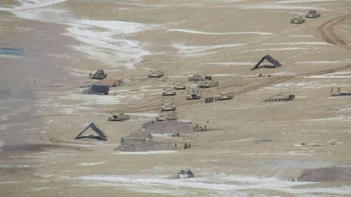 Indian China soldiers disengagement video photo Pangong lake LAC Ladakh तस्वीरें: लद्दाख में पैंगोंग