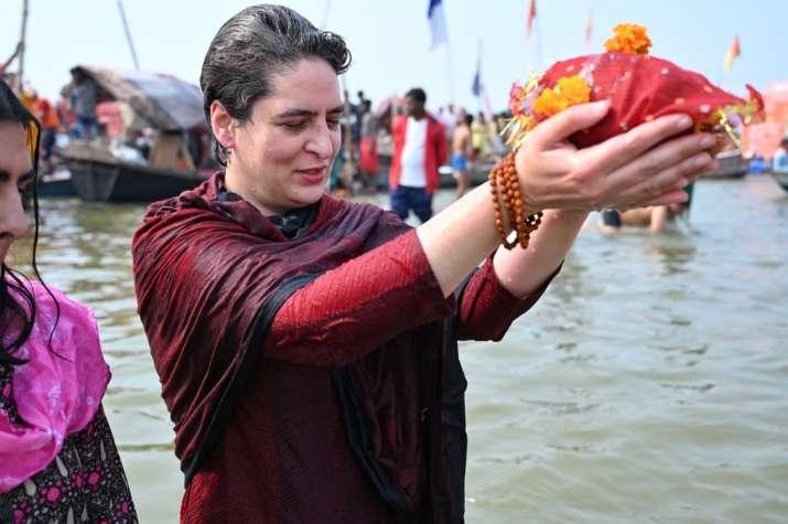 Priyanka Gandhi Vadra takes holy dip at Sangam on Mauni Amavasya