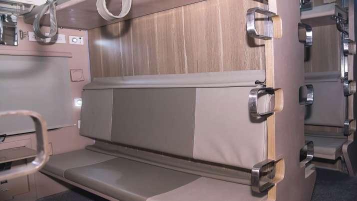 खुशखबरी! कम किराये में आरामदायक सफर, रेलवे ने तैयार किए आधुनिक थ्री-टियर AC डिब्बे