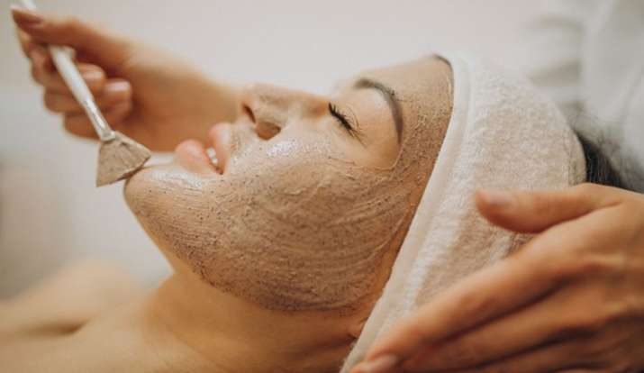 Skin Care Routine: ग्लोइंग स्किन के लिए सुबह उठते ही करें ये काम, पिंपल सहित हर समस्या से मिलेगा छुट