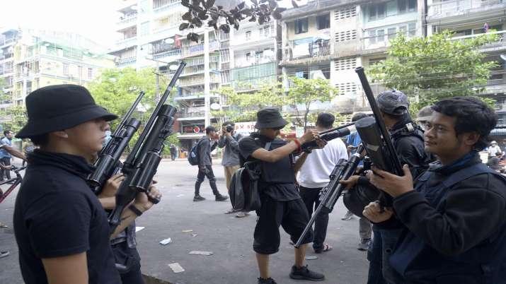 म्यांमार में तख्तापलट के बाद सैन्य कार्रवाई, विरोध प्रदर्शनों में मरने वालों की संख्या बढ़ी