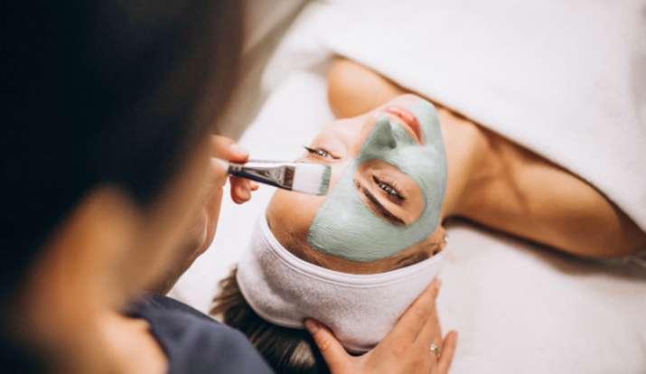Skincare Tips: मोरिंगा का यूं इस्तेमाल कर पाएं बेदाग निखरा हुआ चेहरा, स्किन संबंधी हर समस्या से मिले