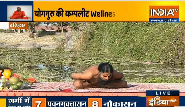 गर्मी में घातक हो सकती हैं ये बीमारियां, स्वामी रामदेव से जानिए बदले मौसम में बॉडी फिट रखने का फॉर्म